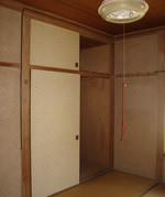 寝室内のこの押入がトイレに!